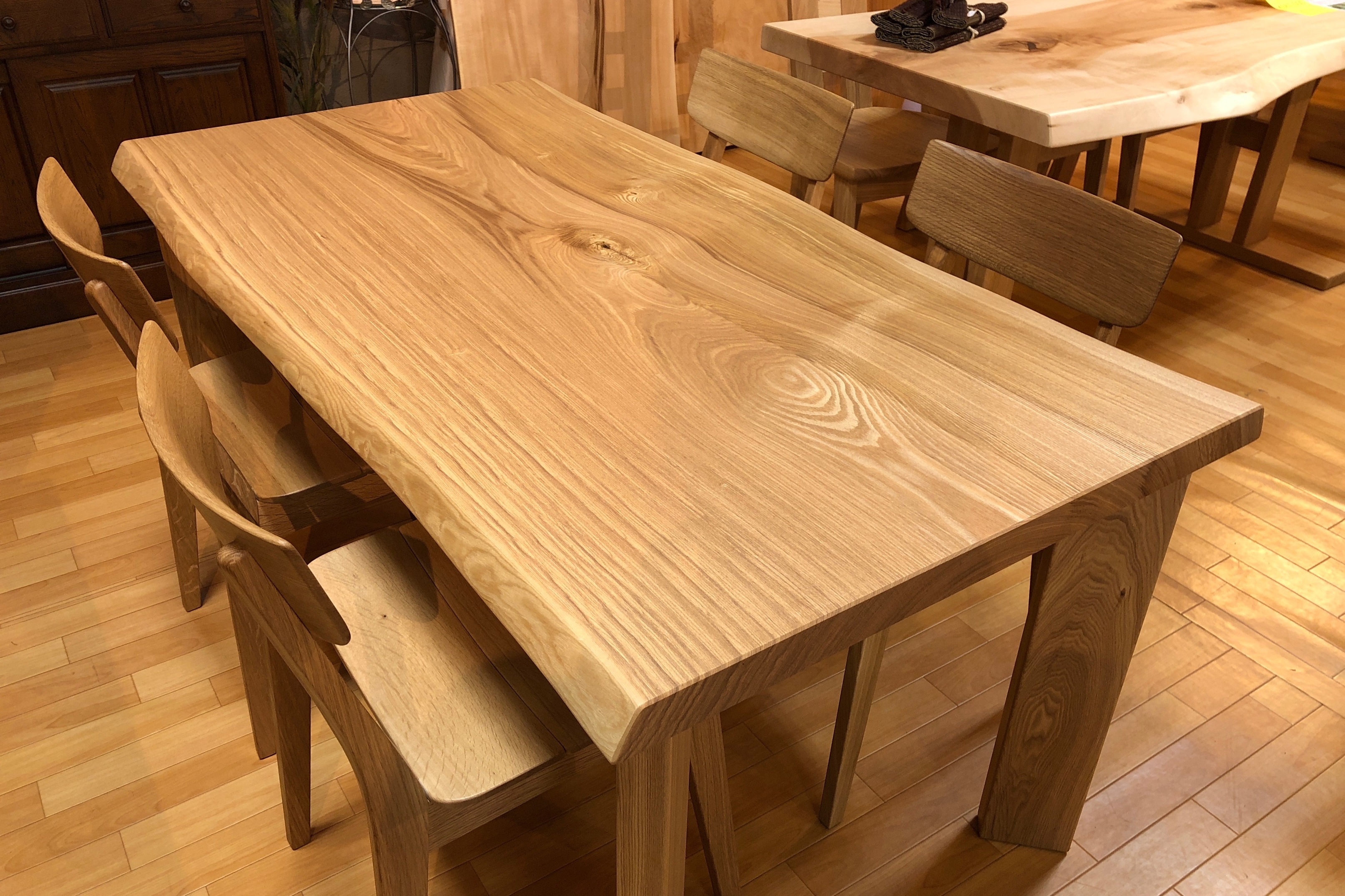 タモ 一枚板テーブル 国産 飛騨の家具 木匠舘マイドゥ