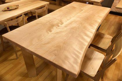 ミズメ 水目桜 一枚板テーブル 飛騨の家具 木匠舘マイドゥ