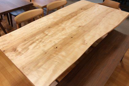 トチ 栃 一枚板テーブル 飛騨の家具 木匠舘マイドゥ