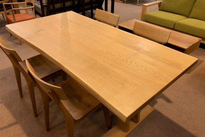 飛騨の家具 楢 ナラ ミズナラ 一枚板 耳付き無垢 テーブル 木匠舘マイドゥ
