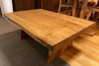 ヤマザクラ 山桜 耳付き 接ぎ 一枚板 無垢 座卓 テーブル 国産 飛騨の家具 木匠舘マイドゥ