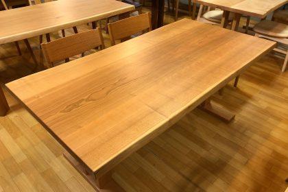 飛騨の家具 ブラックチェリー 一枚板テーブル 国産 枚方家具団地 大阪 木匠舘マイドゥ